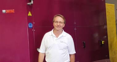 Neil Tomlinson, vlasnik kompanije UA Glass