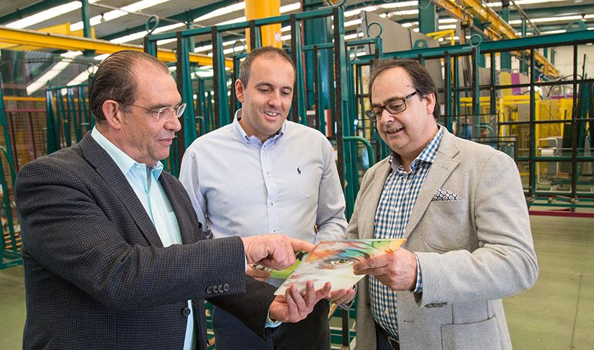 Emilio Molina, vlasnik kompanije Termiglass, Manuel Torres, menadžer prodaje kompanije Termiglass i Juan Mesa, menadžer prodaje LiSEC