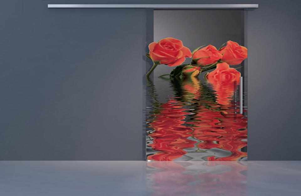 Staklena vrata daju sveži izgled prostoru