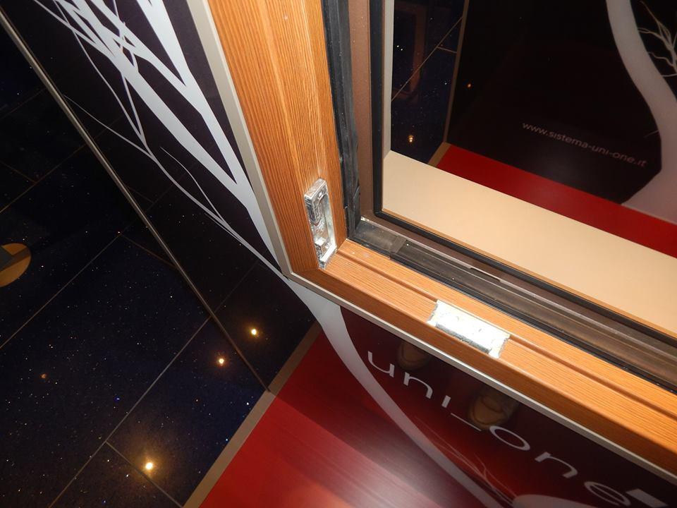 Sa takvom kombinacijom drveta i aluminijuma, dobija se prozor vrhunskog kvaliteta
