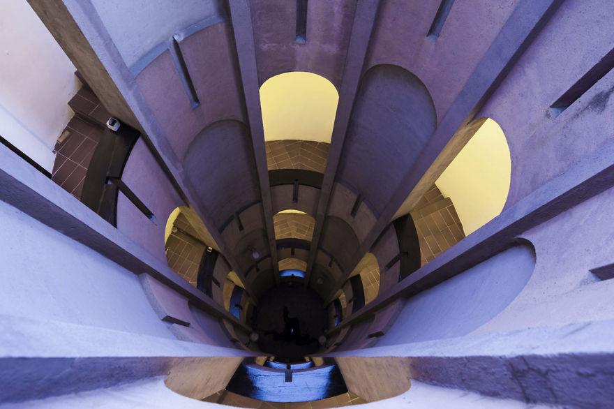 Renoviranje fabrike španski arhitekta počeo je još 1973. godine