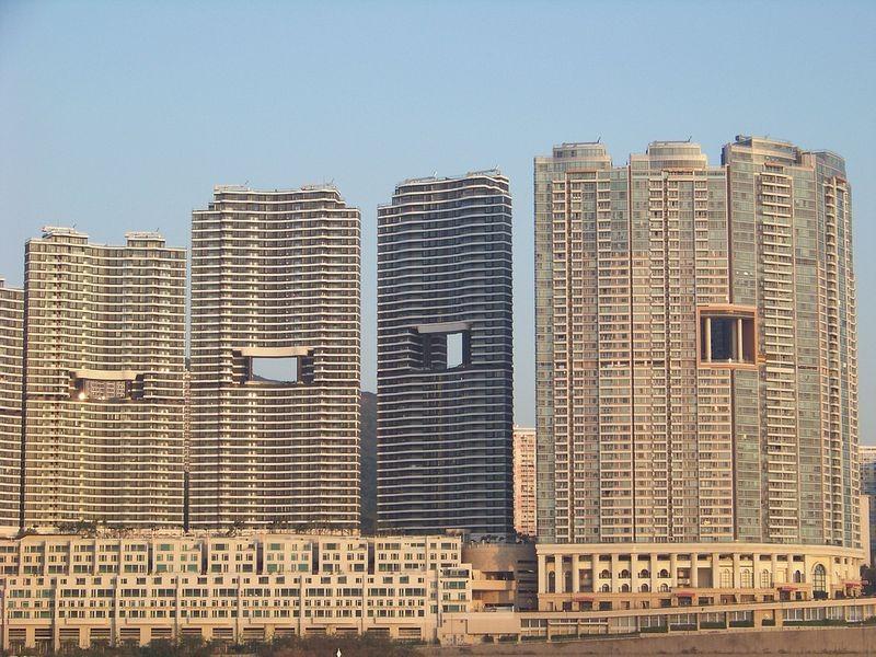 Otvori za zmajeve u Hong Kong-u postoje na skoro svim neboderima