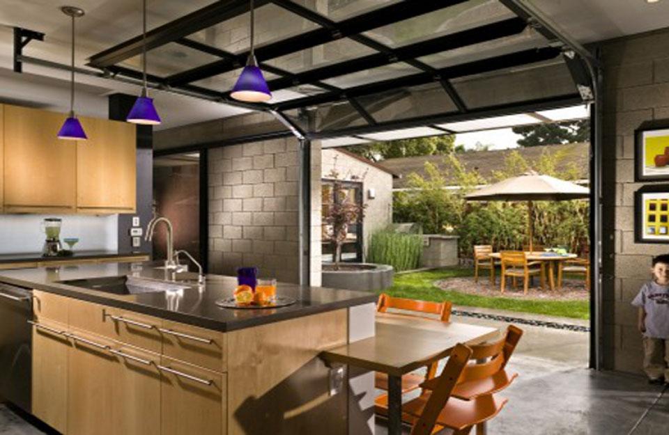 Garažna vrata kao deo kuhinje