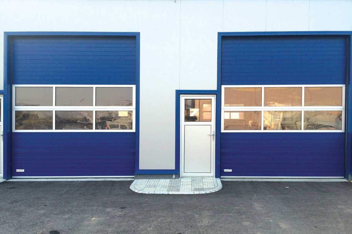 Foto: Jugent d.o.o., segmentna industrijska vrata - kombinovana