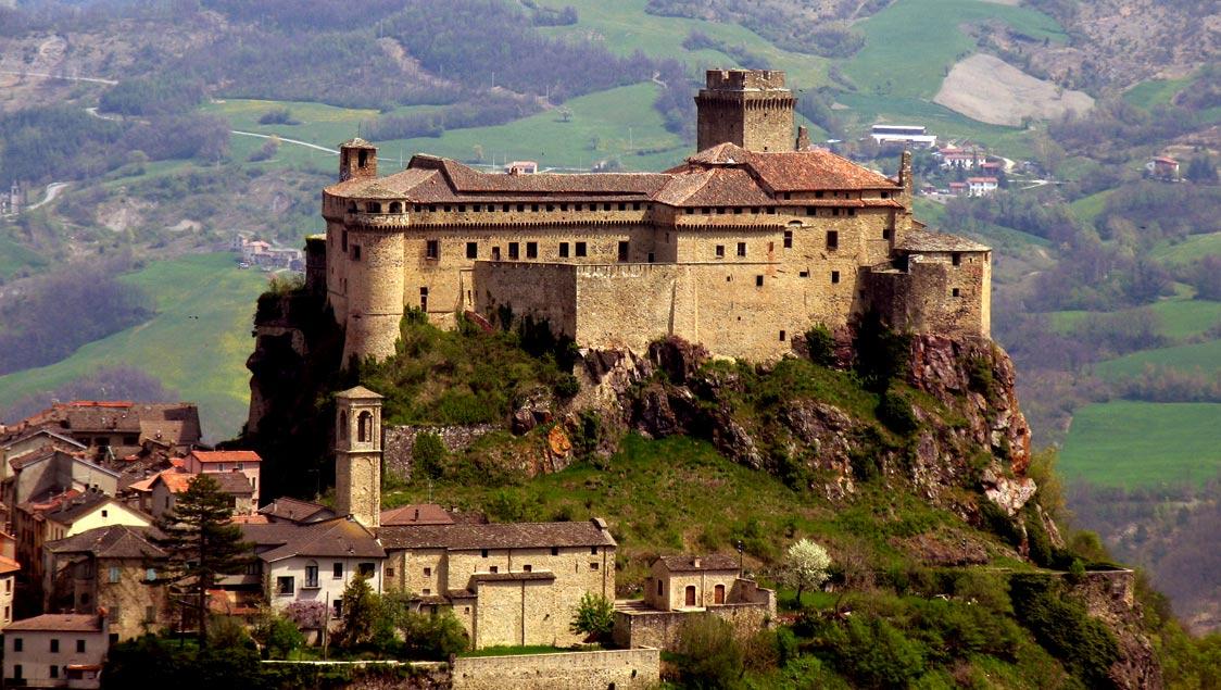 Jedan od zamkova na poklon je i Castello Di Bardi