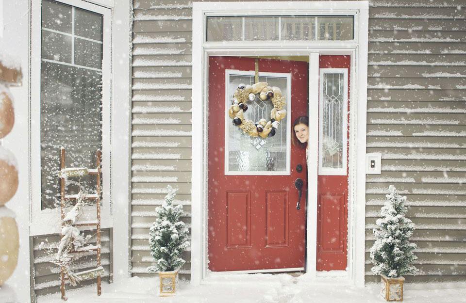 Crvena boja uoči novogodišnjih praznika