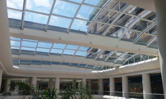 """Stakleni pokretni krov nazvan je """"modernom arhitekturom u pokretu"""""""