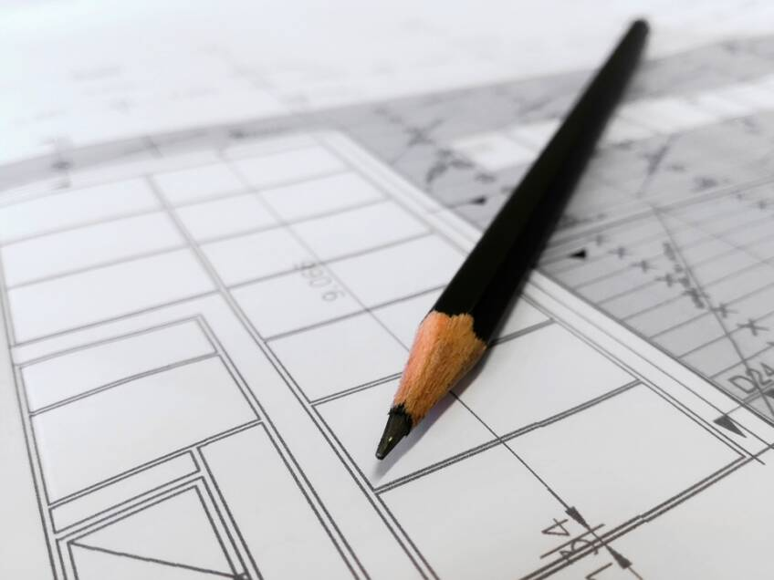 ovlašćeni arhitekta sticao bi se posedovanjem profesionalnih kvalifikacija (akademsko obrazovanje, praksa)