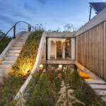 Ekološka kuća izgrađena oko vertikalne bašte