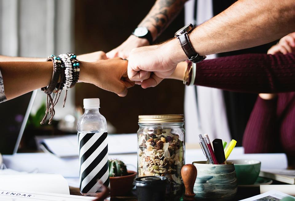 Kompanije su svesne važnosti timskog rada i one tipično ohrabruju komunikaciju