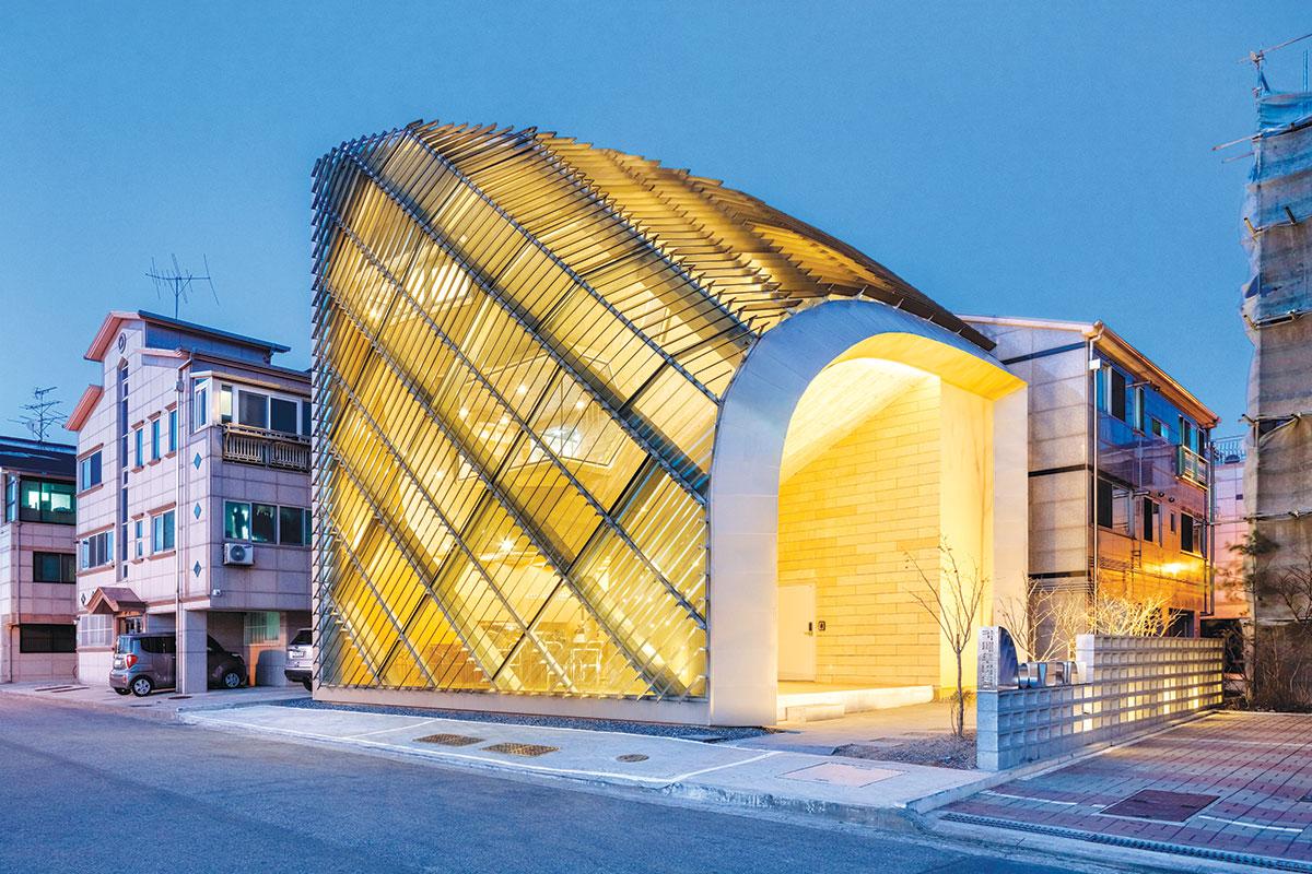 Staklene fasade od transparentnih panela