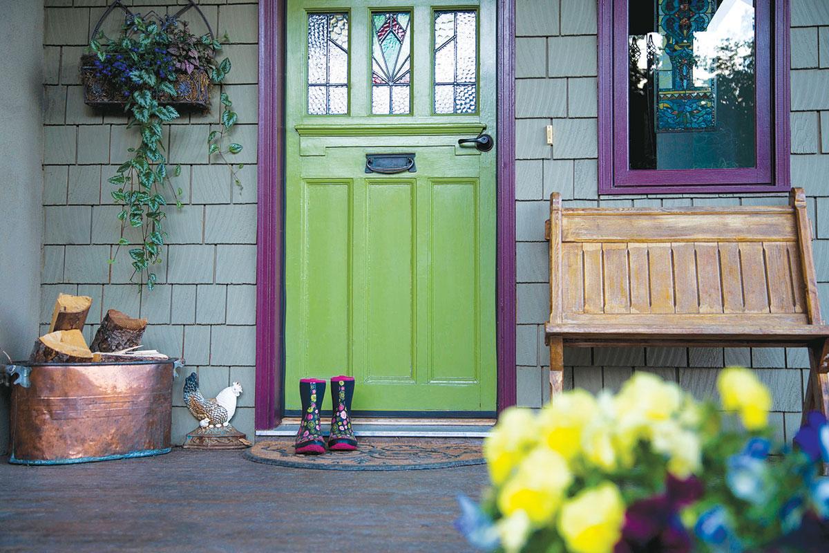 Feng shui ulazna vrata u zemljanim bojama