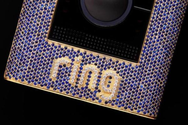 Zvono ograničenog izdanja obloženo je sa 98 grama žutog zlata