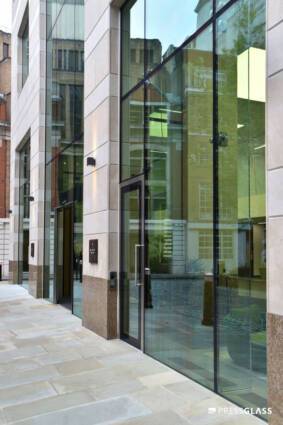 8 Salisbury Square, London