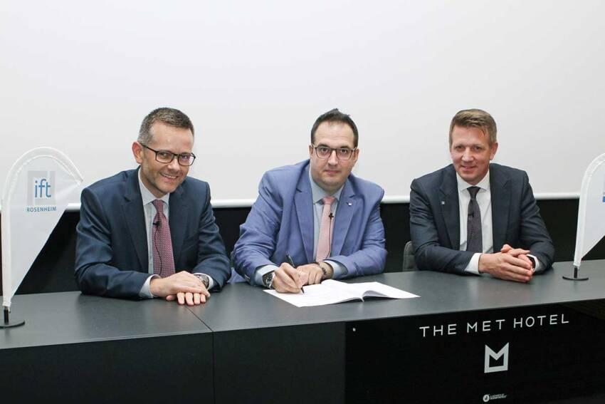 Dr. Jochen Peichl, Dimitrios Moustakidis i Matthias Frohleke (v.l.n.r)