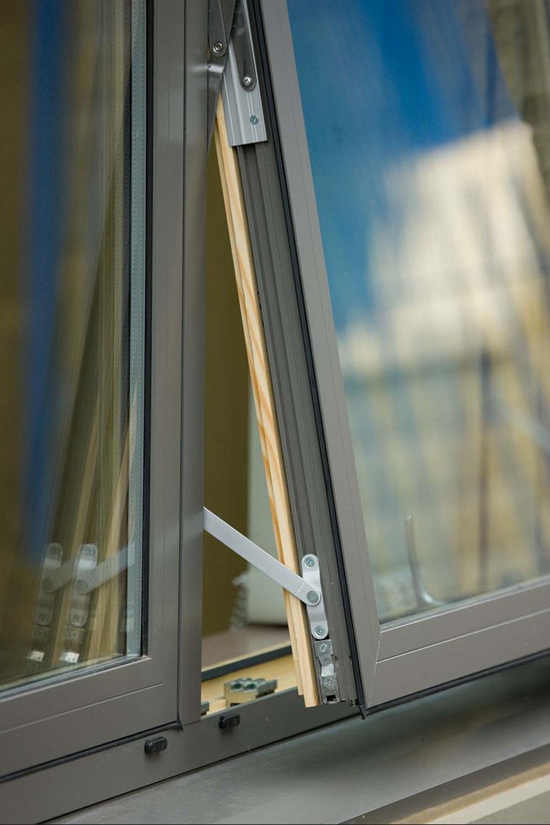 Prozor aluminijum-drvo