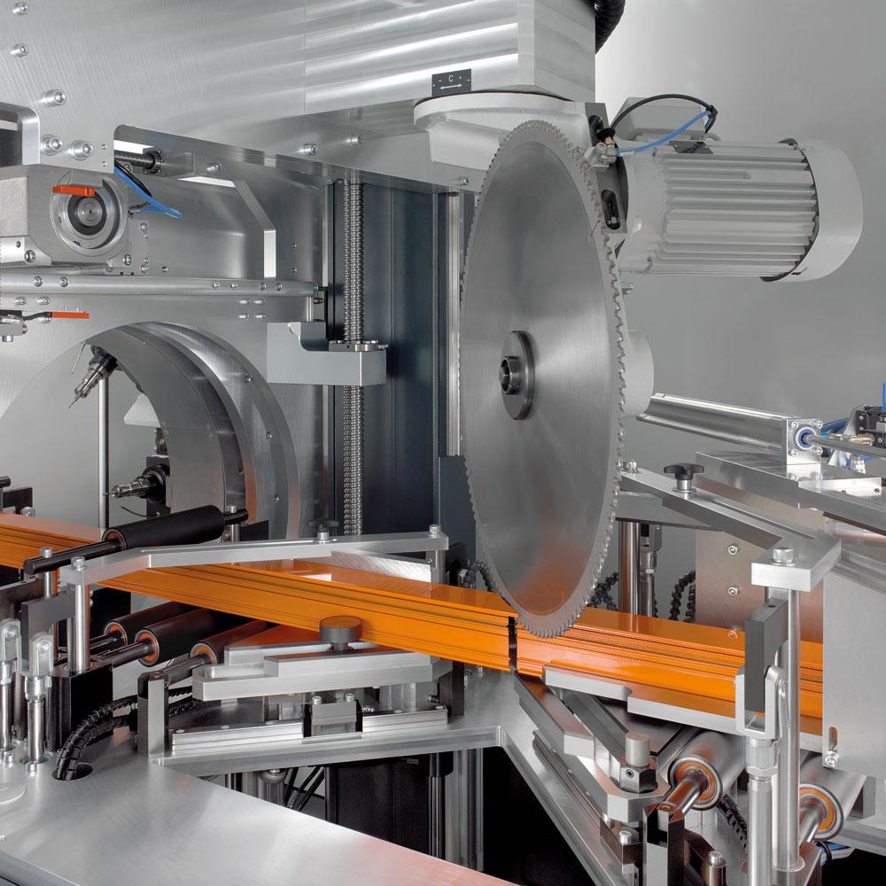 elumatec SBZ 628 S: Efikasan rezno-obradni centar za aluminijske profile