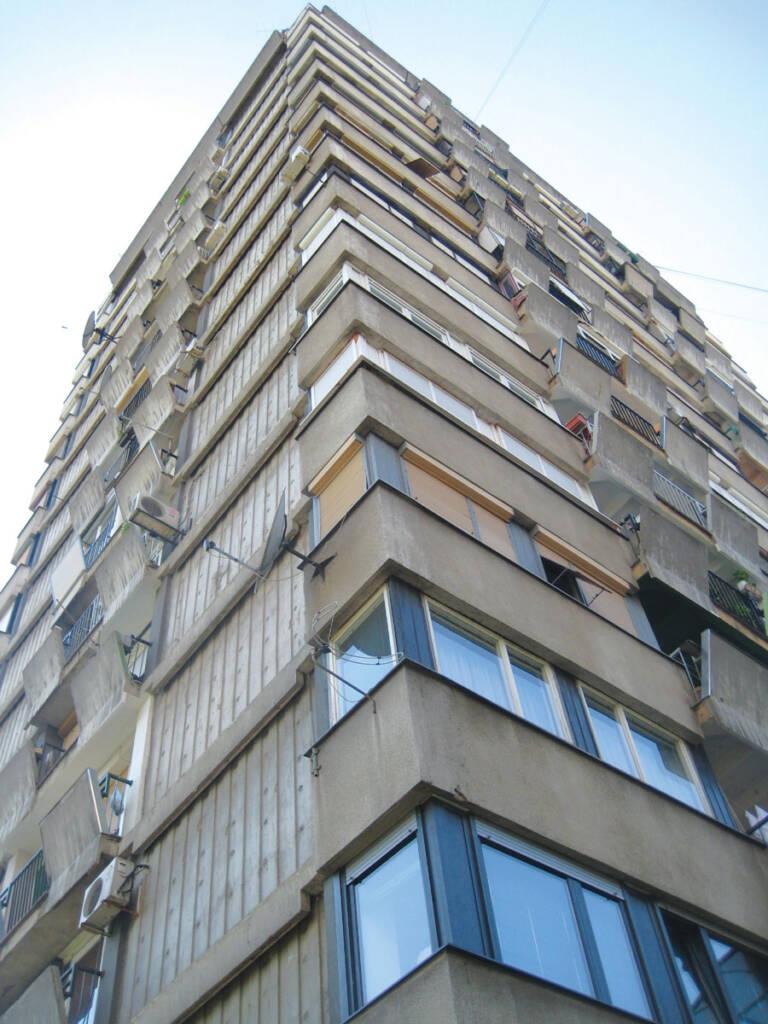 Prikaz detalja fasade pre i nakon sanacije