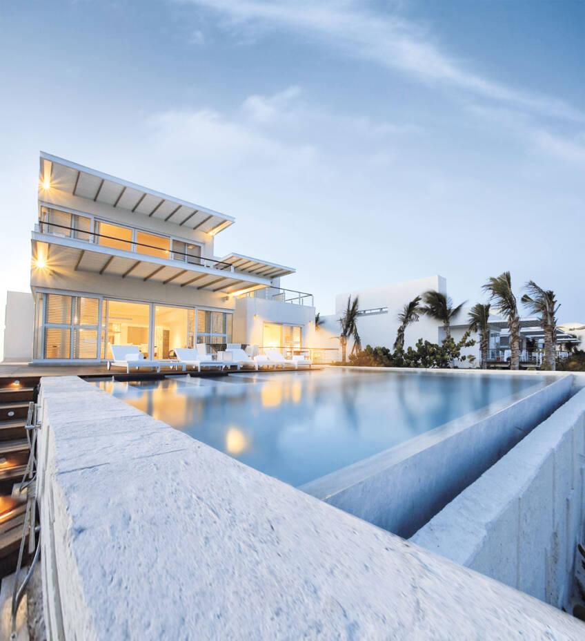 PVC stolarija na porodičnoj kući sa bazenom