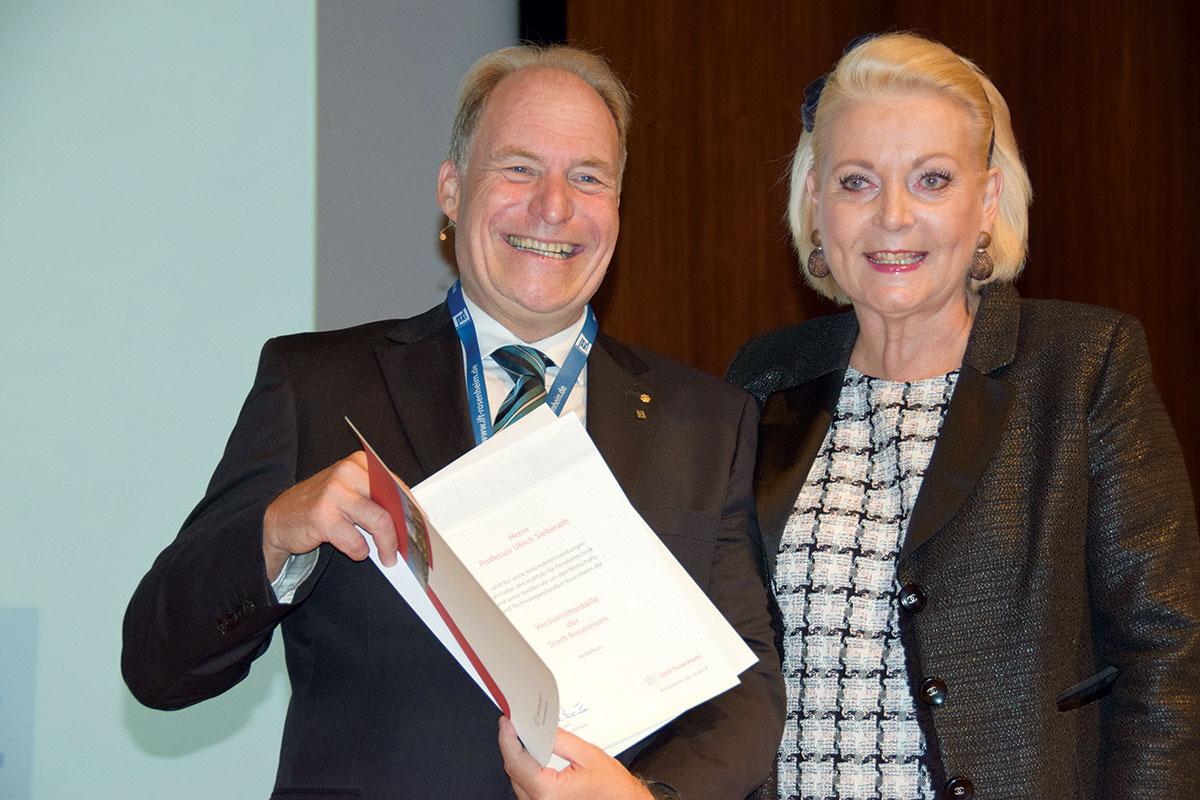 Foto: Gradonačelnica Rosenheima Gabriele Bauer i prof. Ulrich Sieberath