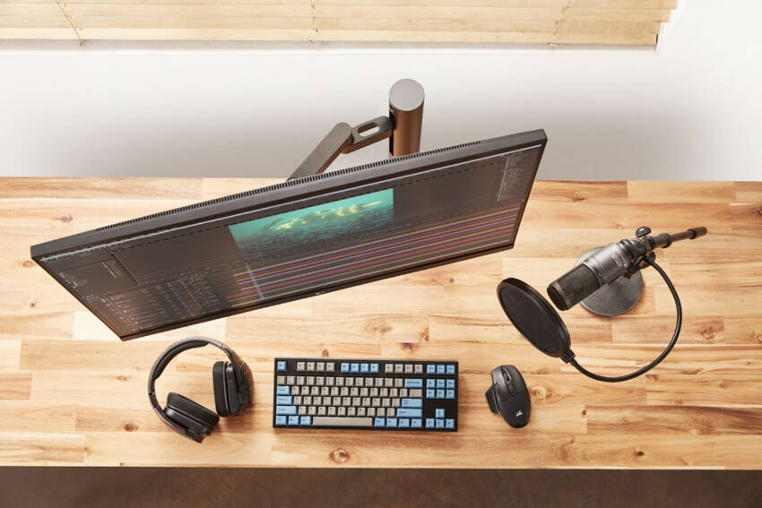 LG monitor model 2020 UltraFine™