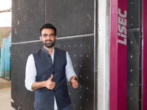 Mohammad Mohib Kamil, Keanat kompanija za prerdu stakla