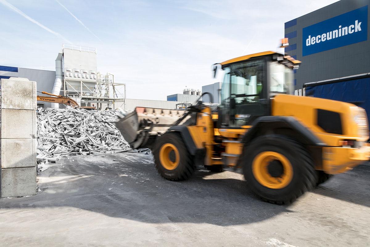 Najnovijom tehnologijom se u postupku recikliranja svi zagađivači uklanjaju