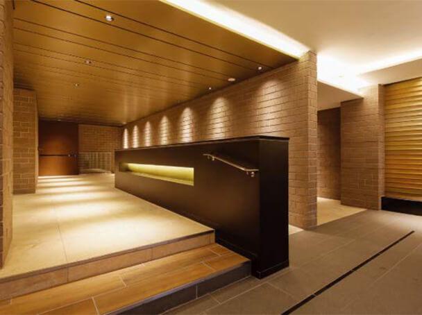 3M™ DI-NOC™ folije folije primena na zidnim panelima i na recepciji