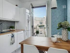 kuhinja sa balkonskim vratima