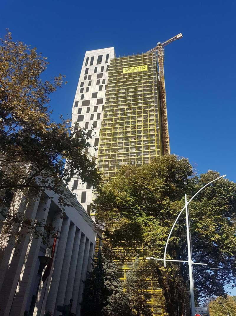 Tehnomarket Larcore A2 fasadni paneli projekat Alban Tower, Tirana, Albanija